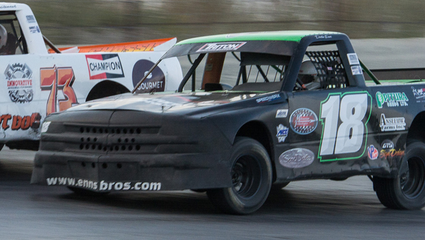 Jeff Rempel - Northern Super Truck Sat/Sun feature winner (photos by Val Pismenny Catellier)