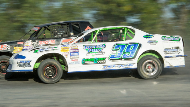 Shawn Teunis - WISSOTA Street Stock feature winner (photos by Val Catellier)