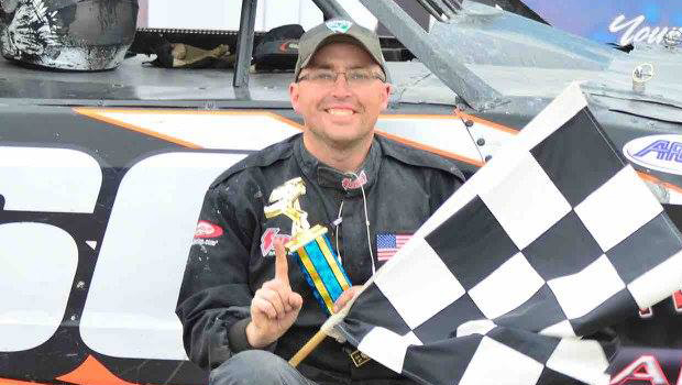 Brian Kentner - WISSOTA Street Stock feature winner - photos by Kaz Grafix