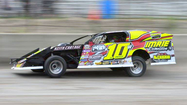 Ward Imrie - WISSOTA Modified feature winner - photo by Kaz Grafix