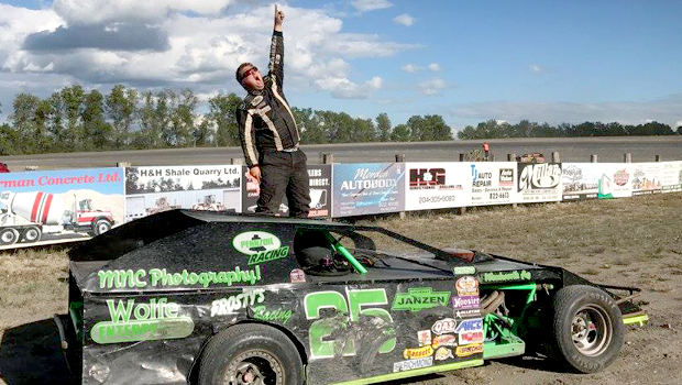 Cody Wall - WISSOTA Midwest Modified feature winner - photo by Kaz Grafix